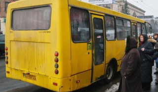 Столичные перевозчики опять массово поднимают плату за проезд