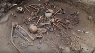 В Мексике обнаружено древнее захоронение с очень необычным расположением останков