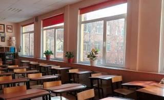В Украине закрывается все больше школ. Дети не могут посещать даже спортивные секции