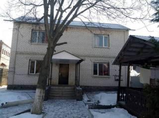 Злоумышленники устроили «реабилитационный центр» для наркоманов в обычном частном доме в Харькове