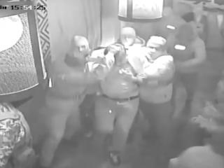 «Эти люди вели себя как фашисты»: в Сети появилось видео жесткого задержания Саакашвили