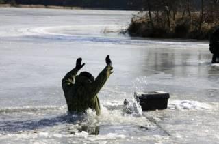Более 70 человек провалились под лед с начала года