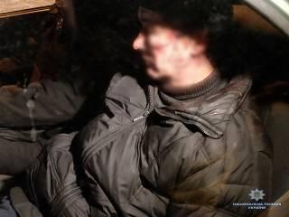 Под Киевом бывший атошник устроил стрельбу по соседям, бросался гранатами и пытался скрыться на полицейском авто