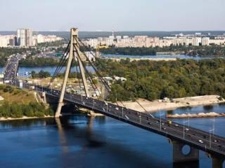 Киевсовет декоммунизировал Московский мост, вернув ему «проектное название»