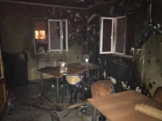 В Ровно неизвестный, не скрывая лица, сжег дотла редакцию скандального портала