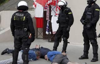 Группа украинцев и грузин в Польше оказала сопротивление полицейским. Есть раненые