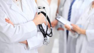 Из Украины массово уезжают врачи