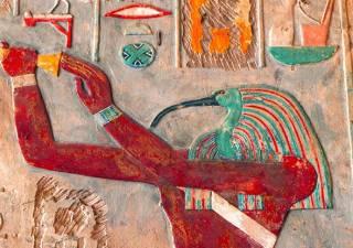 Египетские археологи обнаружили несколько нетронутых гробниц с сокровищами и мумией