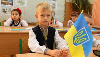 В украинских школах теперь будут учить по-новому, а на переквалификации учителя списывали по-старому