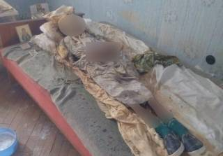 В суровом Николаеве пенсионерка 30 лет жила в одной квартире с мумией умершей матери