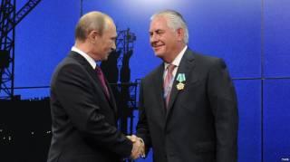 Компания, благодаря которой госсекретарь США получил от Путина «Орден дружбы», разорвала отношения с Россией