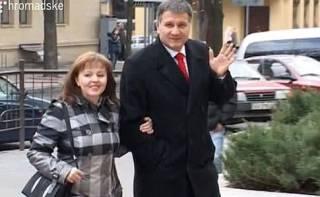 Аваков вспомнил, что его жена в прошлом году заработала на полмиллиона больше