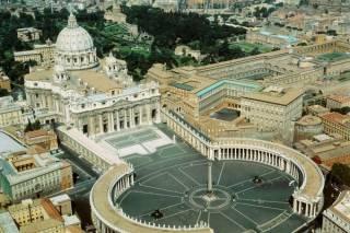 Работник эскорта раскрыл шокирующие данные о гомосексуалистах среди духовенства Ватикана