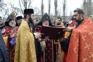 Католикос Всех армян Гарегин II освятил в Киеве фундамент армянского кафедрального собора