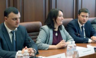 СБУ получила доступ к мобильным переговорам главы НАПК с представителем АПУ