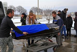Родные и близкие застрелившегося руководителя Николаевского аэропорта рассказали о причинах его поступка