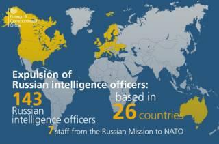 НАТО тоже массово высылает российских дипломатов
