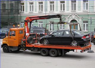 Порошенко вернул на улицы украинских городов эвакуаторы