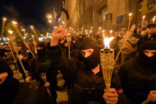 Украина в шаге от массовых факельных шествий