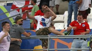 Российские футбольные хулиганы собираются пролить английскую кровь на домашнем ЧМ