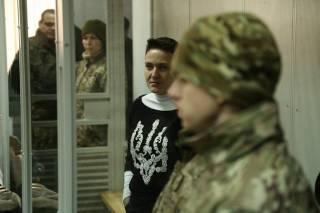 В квартире и офисе Савченко прошли обыски. Говорят, что изъяли оружие