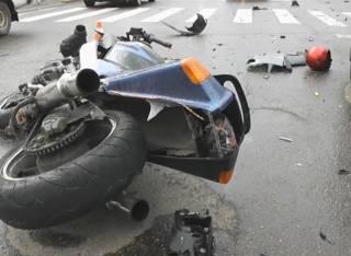 На Львовщине мотоциклист врезался в толпу