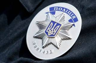 В Черкассах мужчина устроил кровавые разборки в отделении полиции. Ранены правоохранители