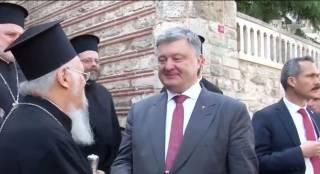Порошенко радостно отрапортовал о начале автокефалии украинского православия