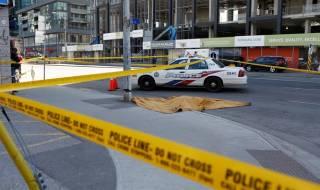 Водитель микроавтобуса убил 10 людей в центре Торонто. И сдался полиции без единого выстрела