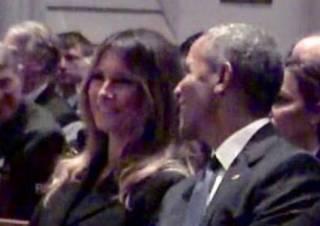 Легкий флирт Мелании Трамп и Барака Обамы на похоронах Барбары Буш взорвал соцсети