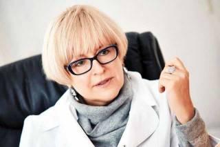 Суд запретил Минздраву объявлять конкурс на должность Амосовой