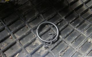 В киевском спальнике прямо на ходу в автомобиле взорвалась граната