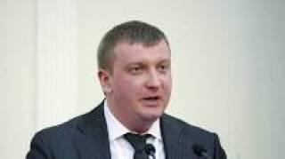 Министр юстиции, рассказывая о своих расходах, показал чек из будущего