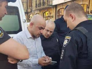 Чеченцы, избившие Найема, утверждают, что нардеп назвал их «чурками», а одному из них кое-что сломал