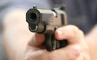 В Никополе местный депутат устроил стрельбу прямо на сессии горсовета