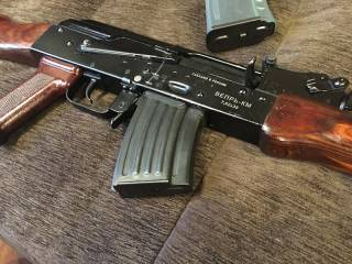 В ровенской военной части солдат случайно застрелился из автомата