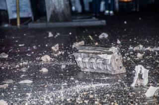 В Киеве на Крещатике обвалилась часть балкона. Чудом обошлось без жертв