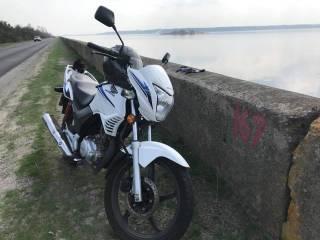 У брата Найема угнали мотоцикл прямо из-под здания суда