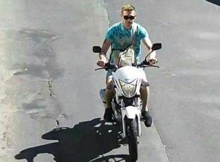 Появилось фото человека, который угнал мотоцикл брата Найема