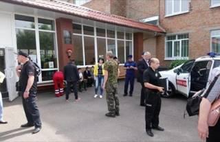 В Черкасской больнице до сих пор остаются 59 человек, отравившихся на школьной линейке