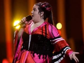 «Евровидение-2018»: покусанная ведущая, поздравления от Нетаньяху «корове» Нетте и другие курьезы