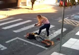 В Бразилии женщина застрелила грабителя, напавшего на людей у школы