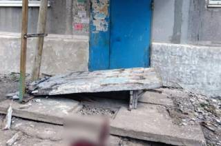 На Донетчине бетонная стена рухнула на детей. Один ребенок погиб