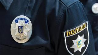 Сумские полицейские с улыбкой на лице издевались над выпившим мужчиной