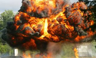 В Киеве на территории склада прогремели два взрыва. Ранены шесть охранников