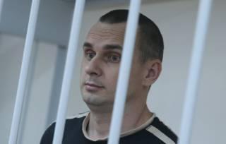 Политзаключенный украинский режиссер Сенцов объявил бессрочную голодовку, выдвинув требование Кремлю
