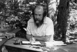 Как Солженицын советскую власть любил