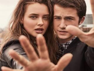 «13 причин почему»: Netflix приостановила выход нового сезона из-за бойни в техасской школе