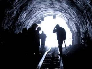 Во Львовской области обвал на шахте заблокировал горняков