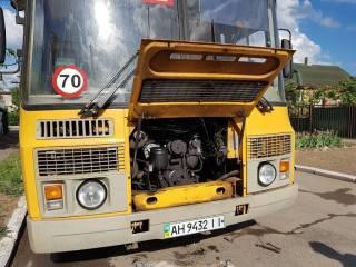 В Донецкой области прямо на ходу загорелся школьный автобус с детьми